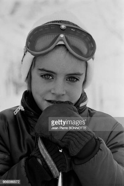 Anthony le fils d'Alain Delon et Nathalie Delon aux sports d'hiver en janvier 1970 à Wengen Autriche