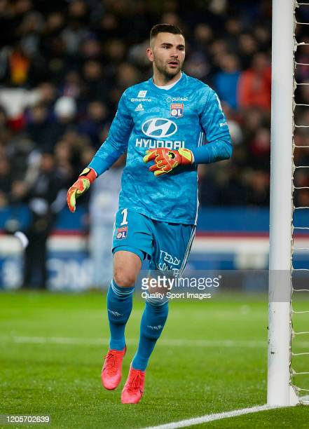 Anthony Lopes of Olympique Lyon looks on during the Ligue 1 match between Paris Saint-Germain and Olympique Lyon at Parc des Princes on February 09,...