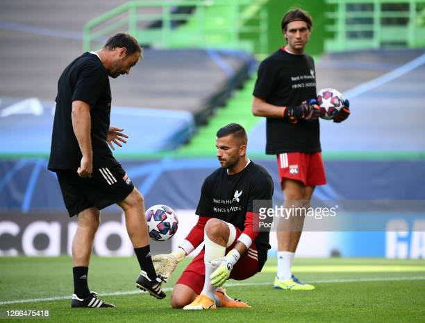 Anthony Lopes of Olympique Lyon warms up prior to the UEFA Champions League Quarter Final match between Manchester City and Lyon at Estadio Jose...