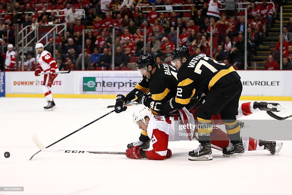 Boston Bruins v Detroit Red Wings : Nachrichtenfoto
