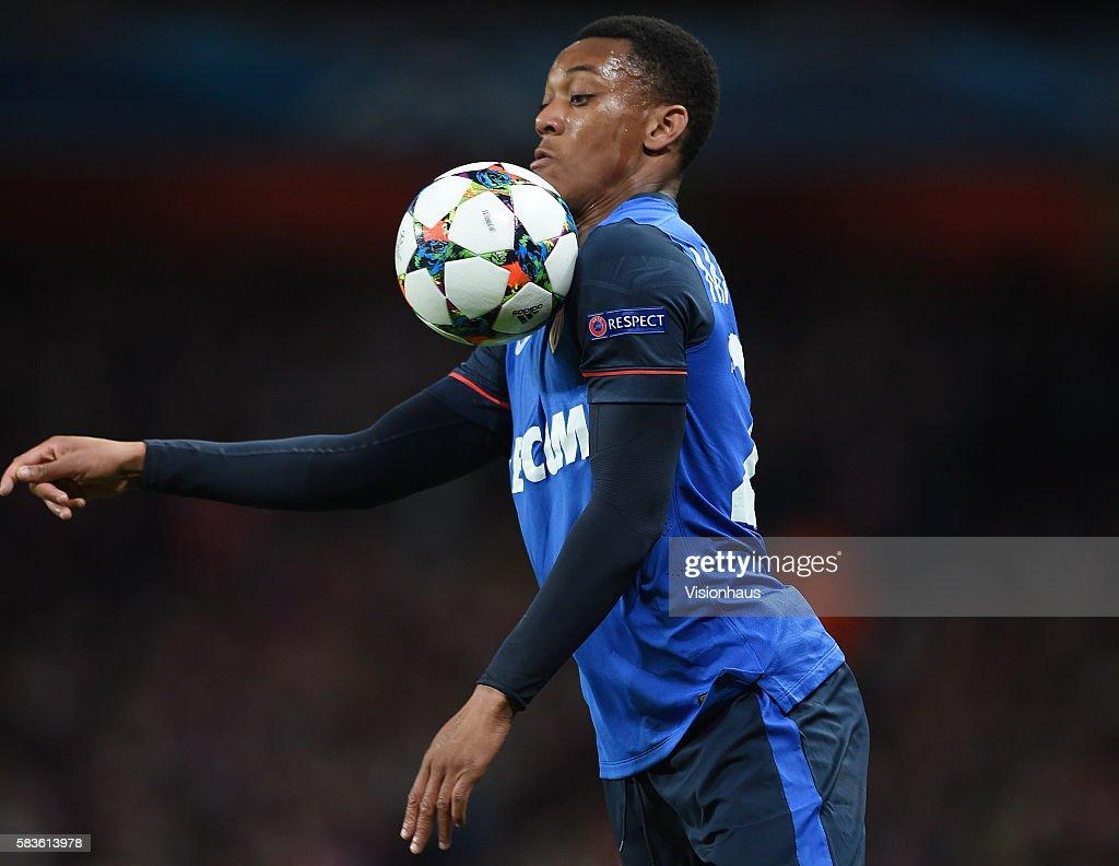 Soccer - UEFA Champions League - Arsenal vs. AS Monaco : News Photo