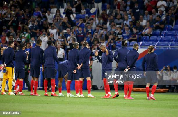 Anthony Martial of France and teammates before the 2022 FIFA World Cup Qualifier match between France and Finland at Groupama Stadium on September 7,...