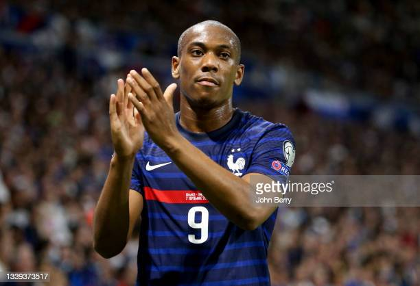 Anthony Martial of France salutes the supporters when he's replaced during the 2022 FIFA World Cup Qualifier match between France and Finland at...
