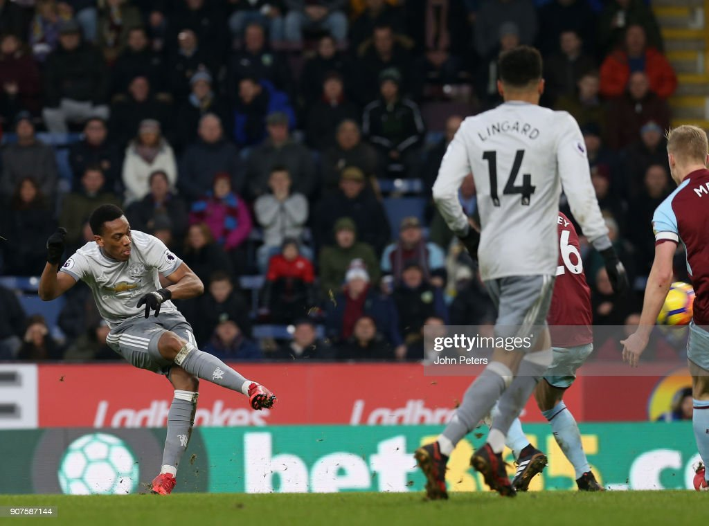 Anthony Martial of Manchester United scores their first goal during the Premier League match between Burnley and Manchester United at Turf Moor on January 20, 2018 in Burnley, England.