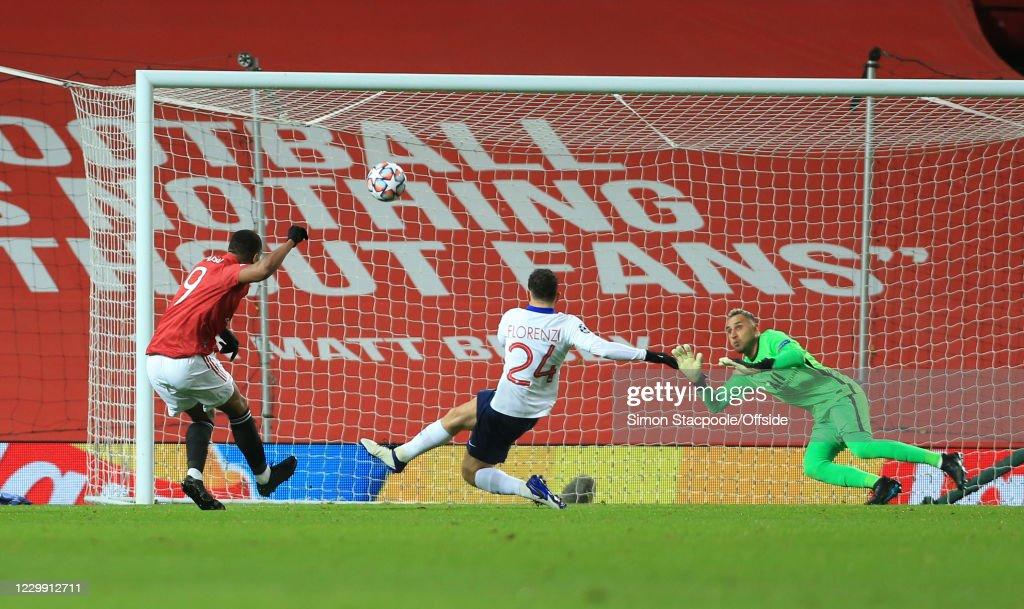 Manchester United v Paris Saint-Germain: Group H - UEFA Champions League : News Photo