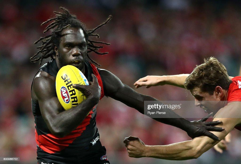 AFL Rd 14 - Sydney v Essendon : News Photo