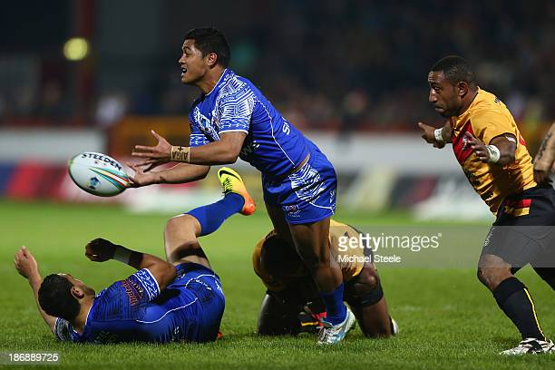 Anthony Milford of Samoa releases a pass during the Rugby League World Cup Group B match between Papua New Guinea and Samoa at Craven Park Stadium on...
