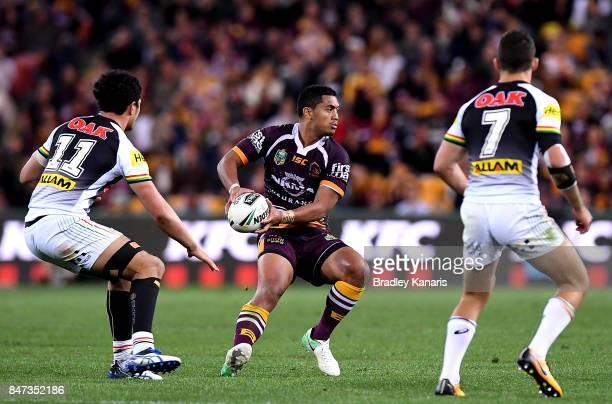 Anthony Milford of the Broncos looks to pass during the NRL Semi Final match between the Brisbane Broncos and the Penrith Panthers at Suncorp Stadium...