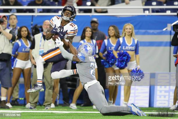 Anthony Miller of the Chicago Bears makes a catch in the fourth quarter of the game against Justin Coleman of the Detroit Lions at Ford Field on...