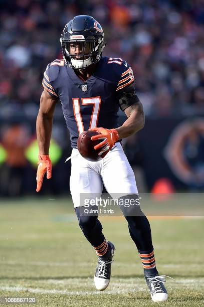 Anthony Miller of the Chicago Bears runs with the ball against the Detroit Lions at Soldier Field on November 11 2018 in Chicago Illinois