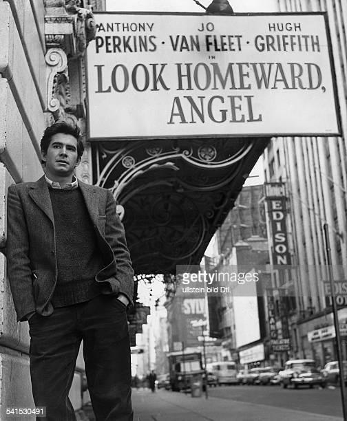 Anthony Perkins*Actor USAstanding at the Barrymore Theatre in New York under a sign for the play 'Look Homeward Angel' in which he is acting