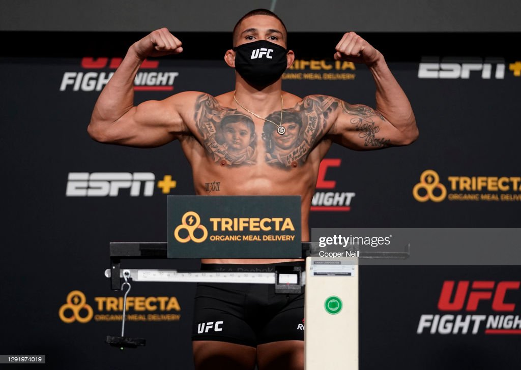 UFC Fight Night Thompson v Neal: Weigh-Ins : News Photo