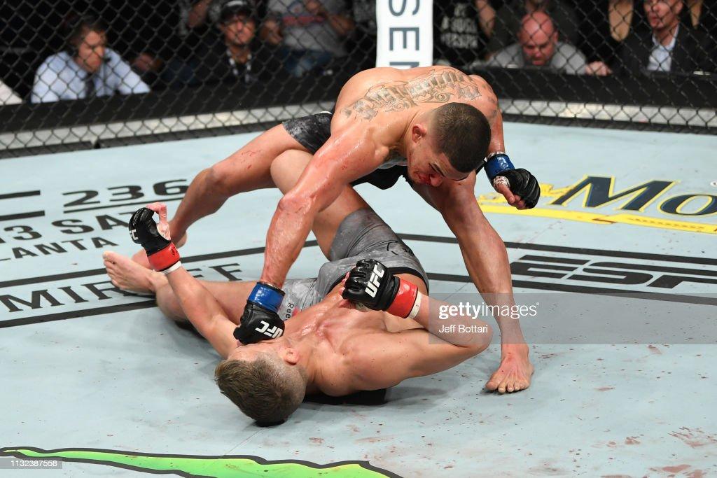 UFC Fight Night: Thompson v Pettis : News Photo