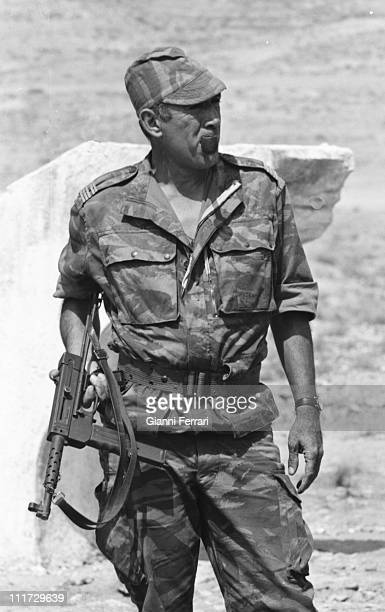 Anthony Quinn during a break in the filming of the movie 'Los Centuriones' directed byr Mark Robson Almeria Spain