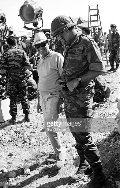Anthony Quinn during the filming of the movie 'Los Centuriones' with the director Mark Robson Almeria Spain