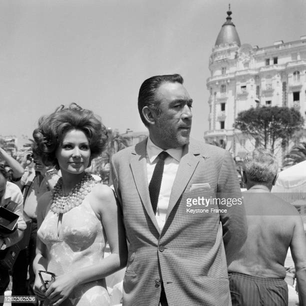 Anthony Quinn et Irina Demick à Cannes, France le 7 mai 1964.