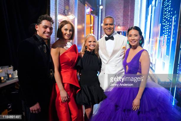 Anthony Ramos Laura Benanti Kristin Chenoweth Christopher Jackson and Lucy Liu pose backstage during the 73rd Annual Tony Awards at Radio City Music...