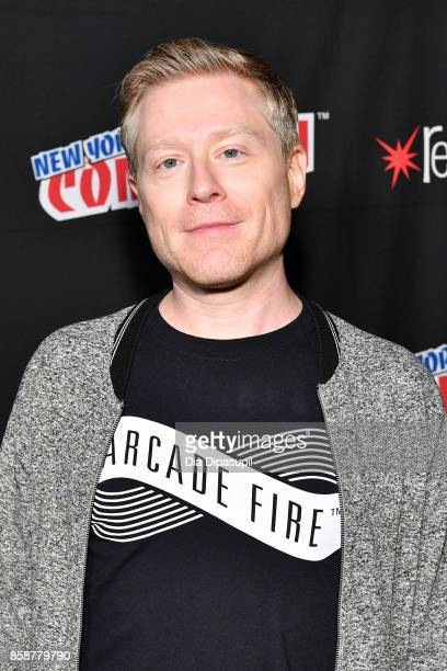 Anthony Rapp attends the Star Trek Discovery panel during 2017 New York Comic Con Day 3 at Theater at Madison Square Gardenon October 7 2017 in New...