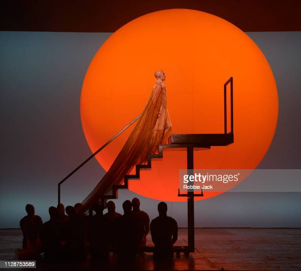 Anthony Roth Costanzo as Akhnaten with artists of the company in English National Opera's production of Philip Glass's Akhnaten directed by Phelim...