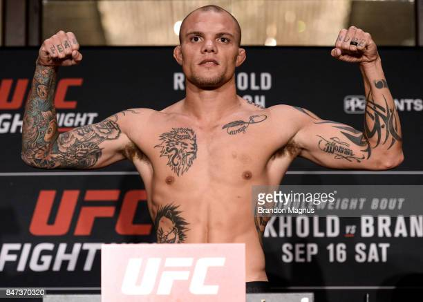 Anthony Smith poses on the scale during the UFC Fight Night Weighin on September 15 2017 in Pittsburgh Pennsylvania