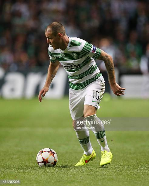 Anthony Stokes of Celtic controls the ball during the UEFA Champions League Qualifying PlayOffs Round Second Leg Match between Celtic and Maribor at...