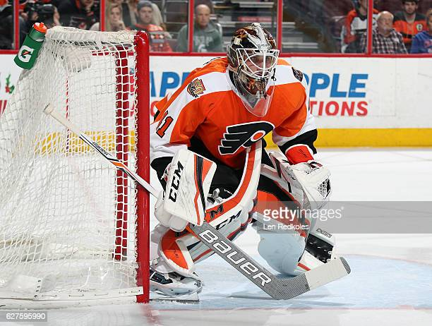 Anthony Stolarz of the Philadelphia Flyers making his NHL debut stands in goal against the Calgary Flames on November 27 2016 at the Wells Fargo...