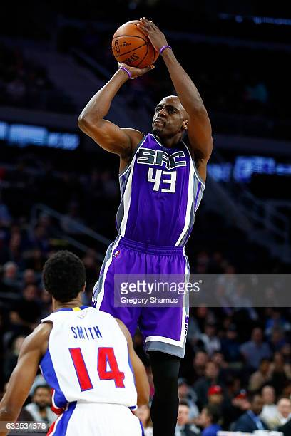 Anthony Tolliver of the Sacramento Kings shoots over Ish Smith of the Detroit Pistons during the second half at the Palace of Auburn Hills on January...