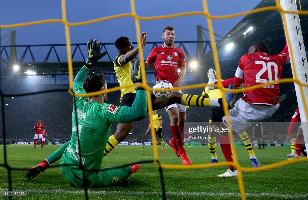 DEU: Borussia Dortmund v 1. FSV Mainz 05 - Bundesliga