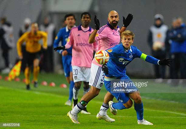 Anthony Vanden Borre of Anderlecht vies with Alexander Kokorin of Dynamo Moscow during the UEFA Europe League football match between Dynamo Moscow...