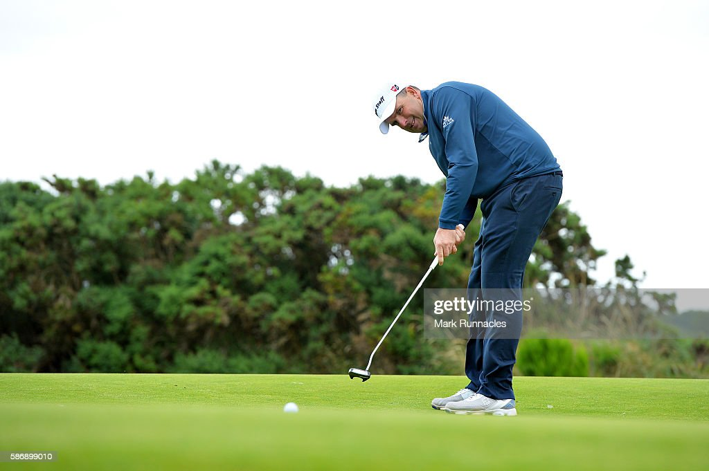 Anthony Wall of England putting on the green on hole 18 on day four of the Aberdeen Asset Management Paul Lawrie Matchplay at Archerfield Links Golf Club on August 7, 2016 in North Berwick, Scotland.