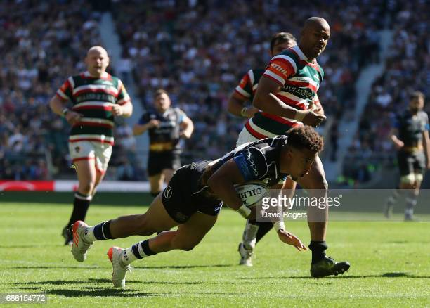 Anthony Watson of Bath dives over for a second half try during the Aviva Premiership match between Bath and Leicester Tigers at Twickenham Stadium on...