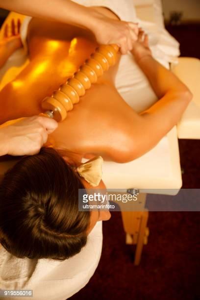 anti cellulite massage - massaggio sensuale foto e immagini stock