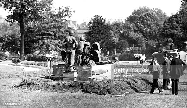 Antiaircraft gun position in the Garden of the Tuileries liberation of Paris August 1944 After four years under Nazi occupation Paris was liberated...
