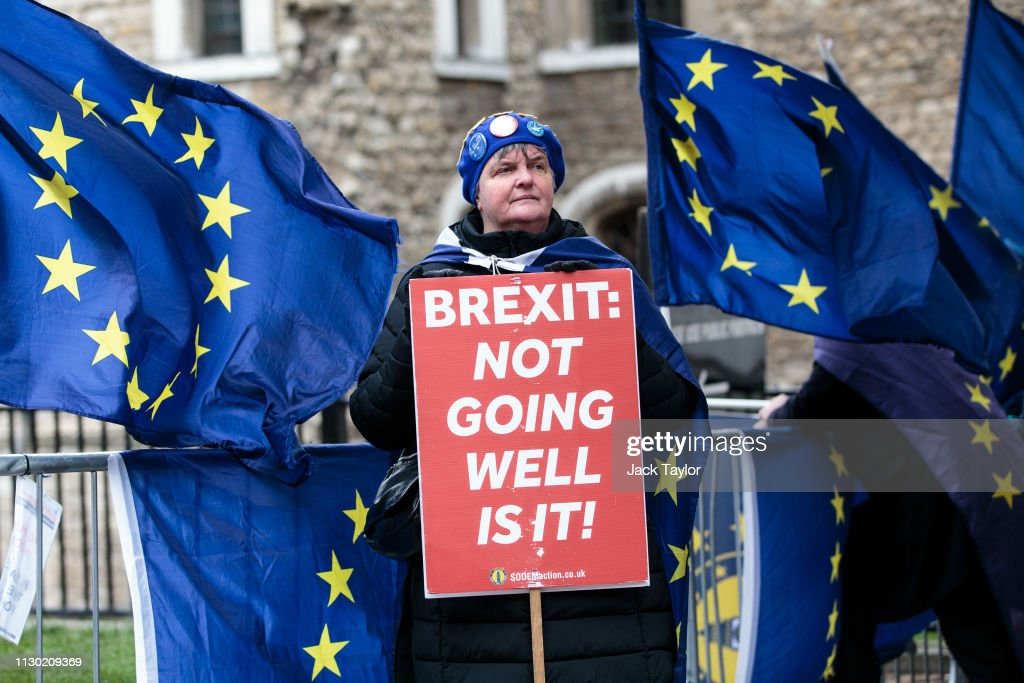 Leave And Remain Demonstrators Protest Ahead Of No Deal Vote : News Photo