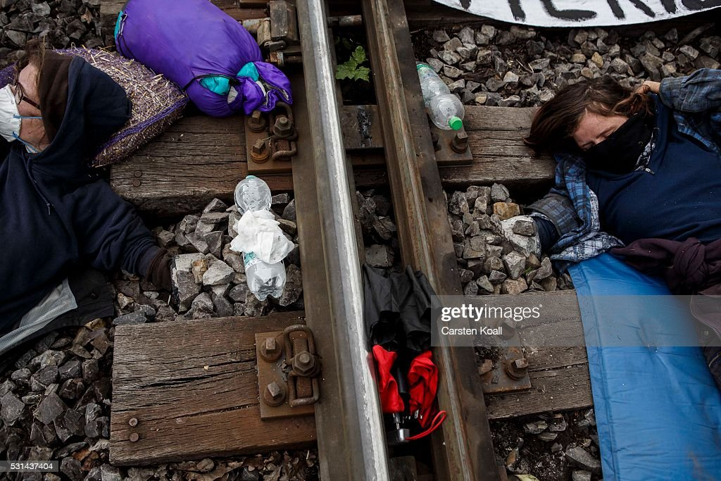 Activists Protest Coal Energy At Welzow Mine : News Photo