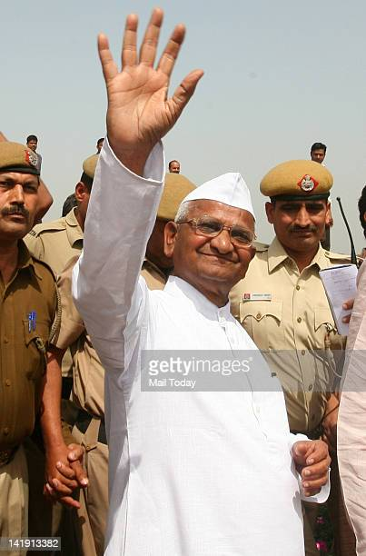 Anticorruption activist Anna Hazare at Rajghat before staring his day long fast in protest against corruption in New Delhi on Sunday