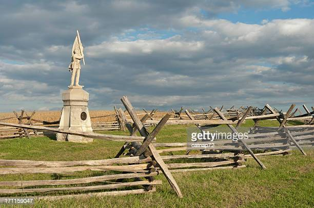 antietam national military park, bloody lane and sunken road - monument stock pictures, royalty-free photos & images