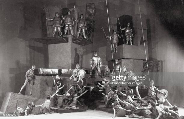 Antigone by Walter Hasenclever Kammertheater Moskcow Photograph by FotoArtel 1927 [Antigone von Walter Hasenclever Kammertheater Moskau Photographie...