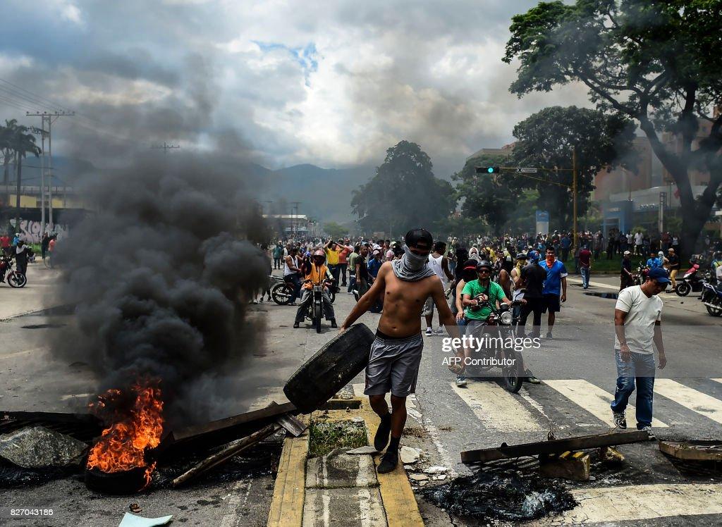 VENEZUELA-CRISIS-OPPOSITION-PROTEST : News Photo