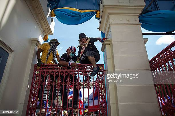 Antigovernment protesters occupy the Thailand Army Headquarters on November 29 2013 in Bangkok Thailand Antigovernment protesters in Bangkok say they...