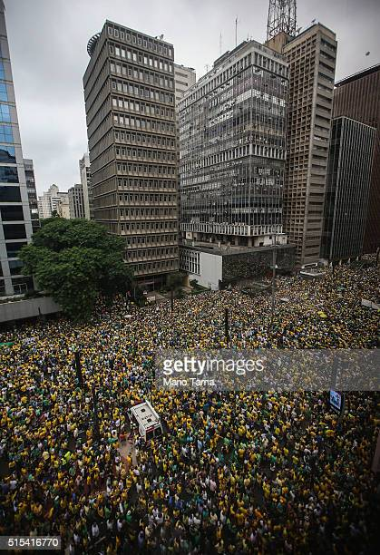 Antigovernment protestors jam Avenida Paulista during a demonstration calling for the removal of President Dilma Rousseff on March 13 2016 in Sao...