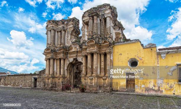 antigua, el carmen church - guatemala stock-fotos und bilder