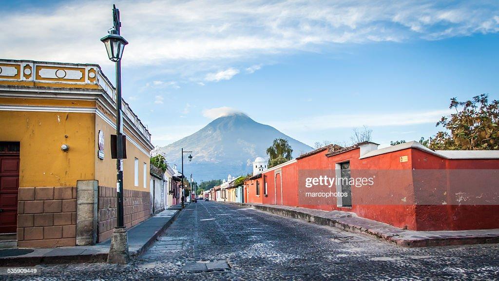 Antigua Guatemala, Architektur, der Vulkan, rue. : Stock-Foto