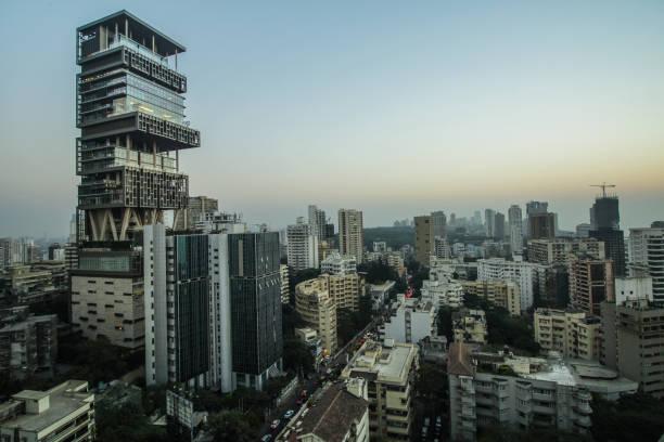 antilia and mumbai skyline - antilia mumbai stock pictures, royalty-free photos & images