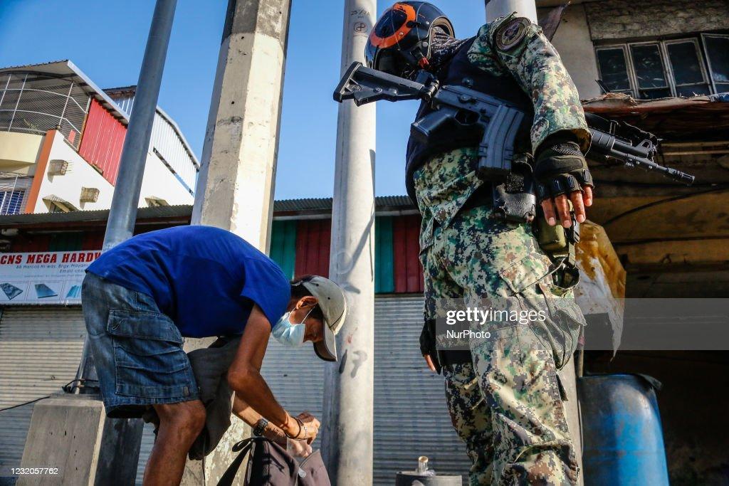 Quarantine Violators In Philippines : News Photo