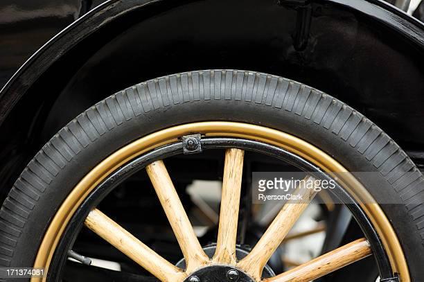 Antique-Auto-Rad und reifen.