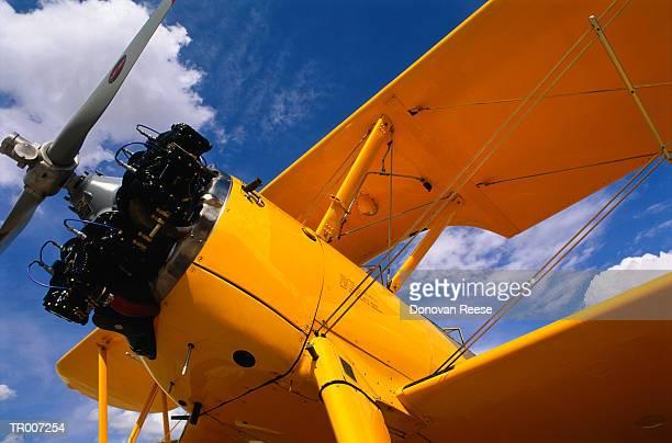 antique biplane propeller - doppeldecker flugzeug stock-fotos und bilder