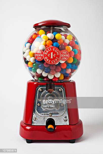 antique bubblegum machine one cent - gumball machine stock pictures, royalty-free photos & images