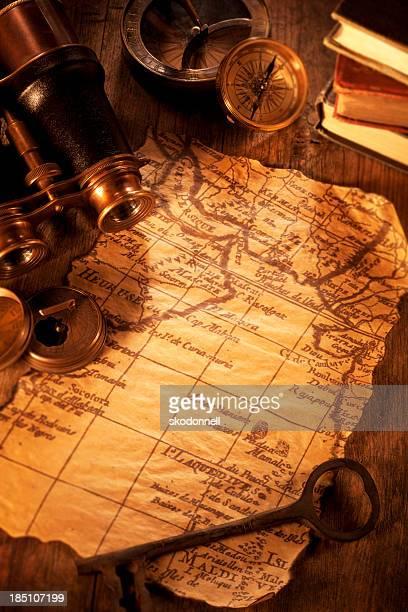 Carte Antique sur un bureau en bois