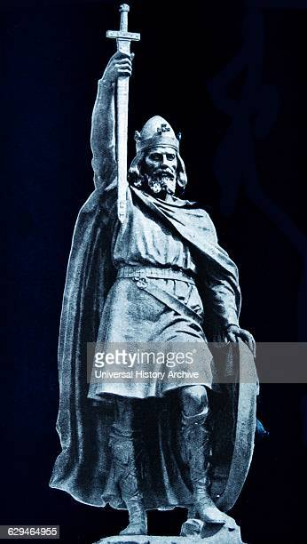 Antique print of the statue of King Alfred the Great Alfred successfully defended his kingdom against the Viking attempt at conquest and by the time...